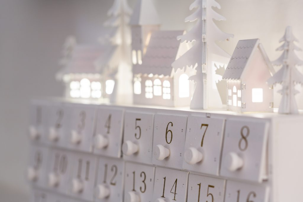 Why the Christmas Holidays are a Good Time to House-Hunt