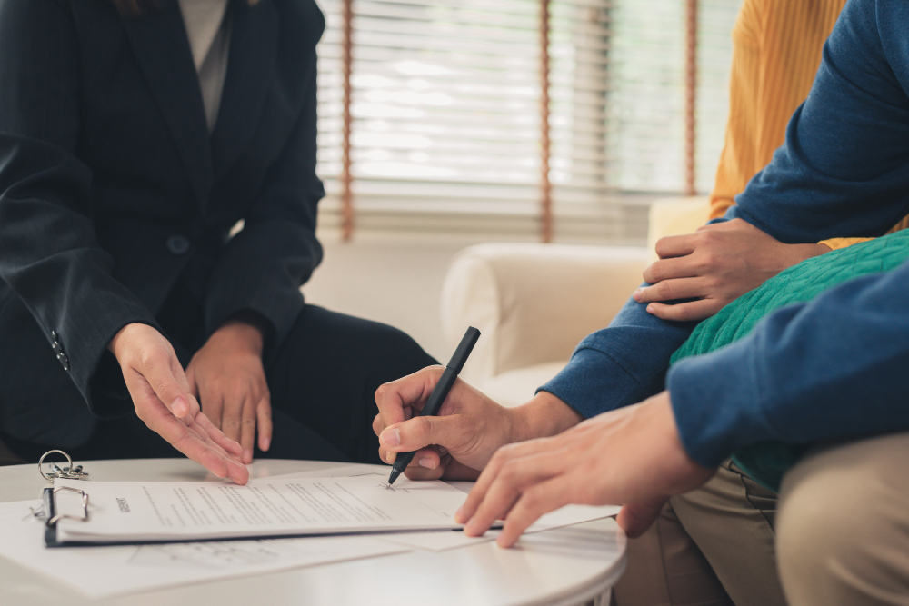 Mortgage Broker vs. Mortgage Specialist: Which One's Better for You?